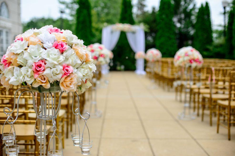 Matrimonio all'aperto? Le 10 cose da sapere per evitare disastri!